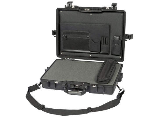 "Peli Case 1495 laptop case attaché with foam 17"""