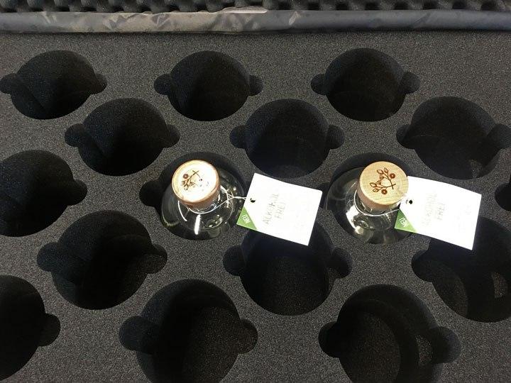 Formausschnitt aus Hartschaumstoff für Präsentationskoffer