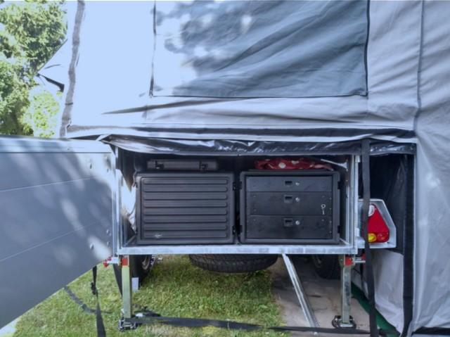 Camper braucht Geschirrkoffer - Rack Case 6HE und Rack-Schubladen