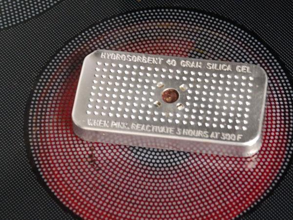 Trocknung der Silica-Patrone auf z. B. Herdplatte