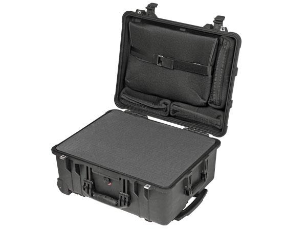 Peli Case 1560 LFC con schiuma e busta per Laptop