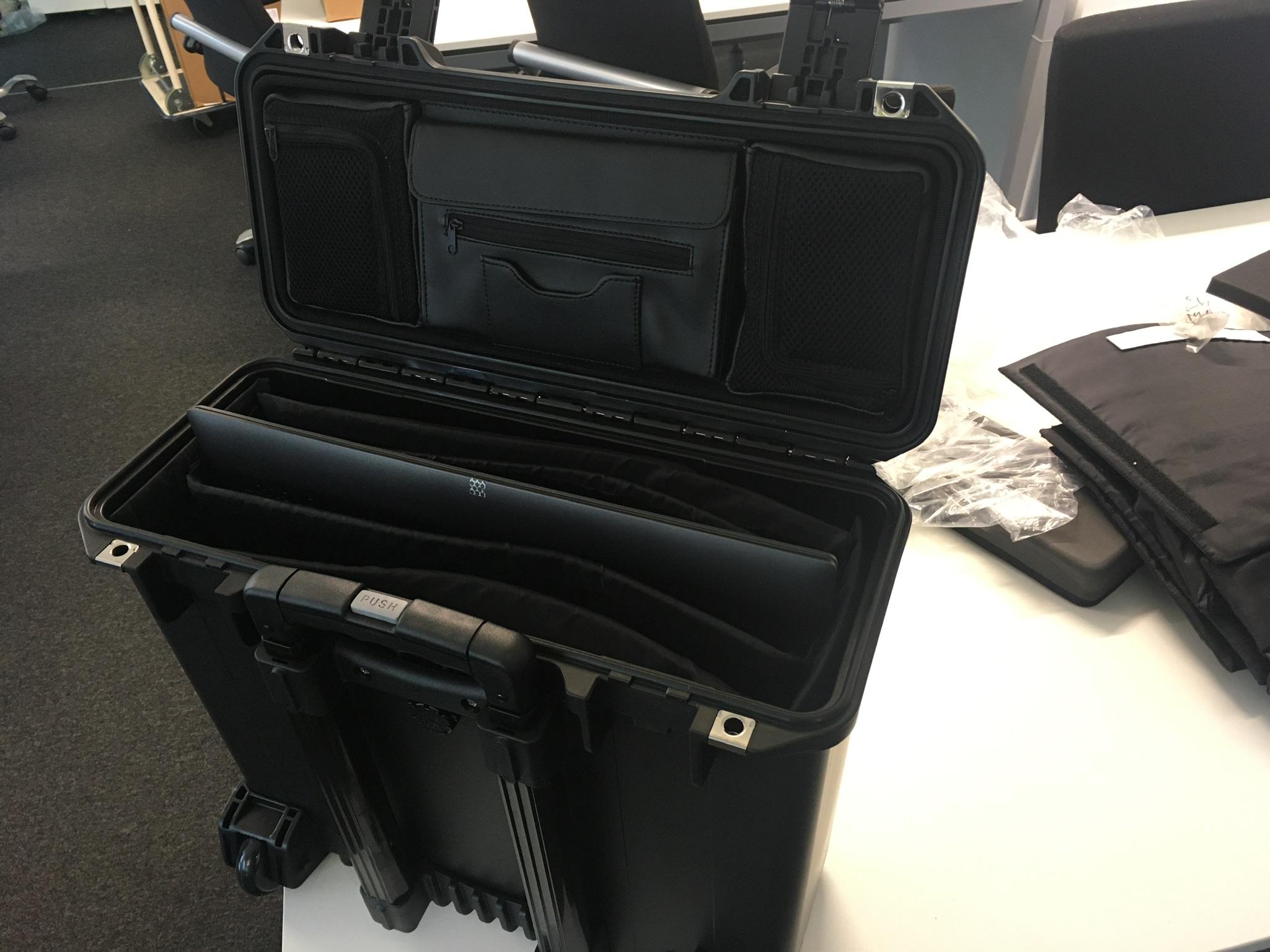 peli-storm-case-im2435-ofiice-fuer-3-laptops