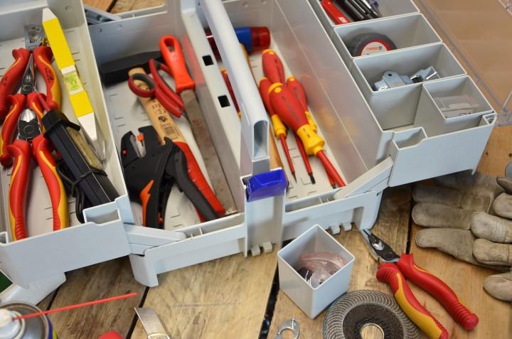 Systainer Storage-Box mit aufklappbaren Oberfächern und Boxeneinsätzen