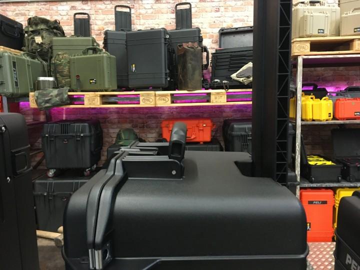 Neue Peli Air Cases mit Trolley 1626 1606 1556